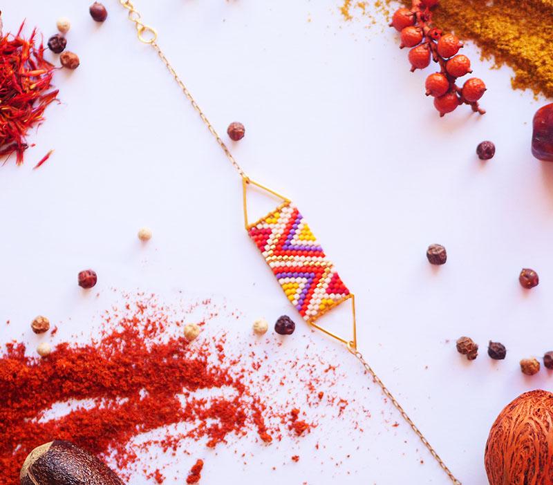 Gebetnout bijoux fantaisie lyon mode tendance bijouterie femme Annecy artisan Licancabur miyuki triangle rouge jaune violet dore volcan