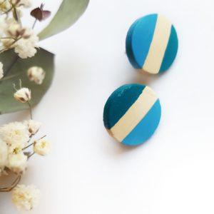 Gebetnout bijoux fantaisie lyon mode tendance bijouterie femme Oullins artisan boucles oreilles puces bois cercle rond bleu paon lagon