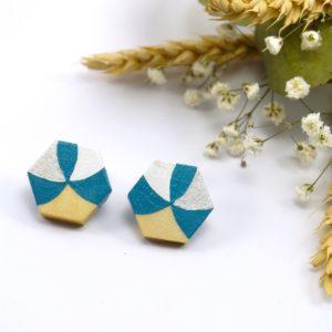 Gebetnout bijoux fantaisie lyon mode tendance bijouterie femme Oullins artisan boucles oreilles puces bois hexagone bleu canard