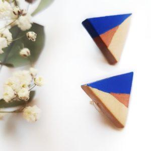 Gebetnout bijoux fantaisie lyon mode tendance bijouterie femme Oullins artisan boucles oreilles puces bois triangle bleu klein cuivré