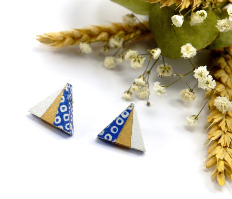 Gebetnout bijoux fantaisie lyon mode tendance bijouterie femme Oullins artisan boucles oreilles puces bois triangle papier japonais bleu pois