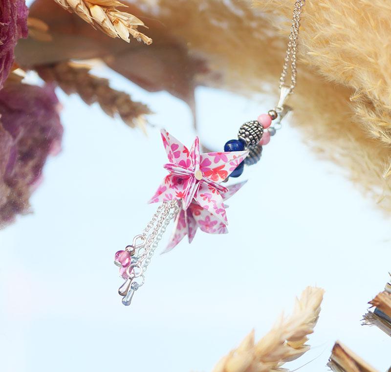 Gebetnout bijoux fantaisie lyon mode tendance bijouterie femme Annecy artisan origami sautoir collier fleur oranger fleuri rose rouge argent