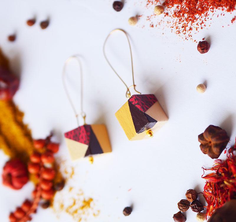 Gebetnout bijoux fantaisie lyon mode tendance bijouterie femme Annecy artisan Licancabur bois cube dore marron rouge