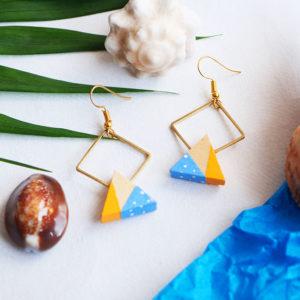 Gebetnout bijoux fantaisie lyon mode tendance bijouterie femme Annecy artisan Opunohu geometrie bois losange triangle papier jaune bleu pois