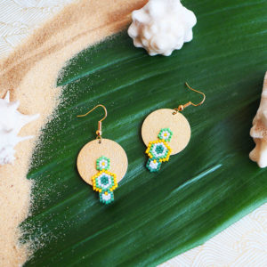 Gebetnout bijoux fantaisie lyon mode tendance bijouterie femme Annecy artisan Opunohu geometrie triangle vert jaune tissage miyuki