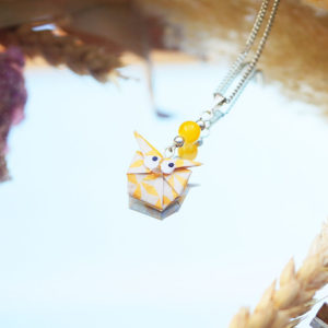 Gebetnout bijoux fantaisie lyon mode tendance bijouterie femme Annecy artisan origami sautoir collier hibou chouette blanc fleur jaune