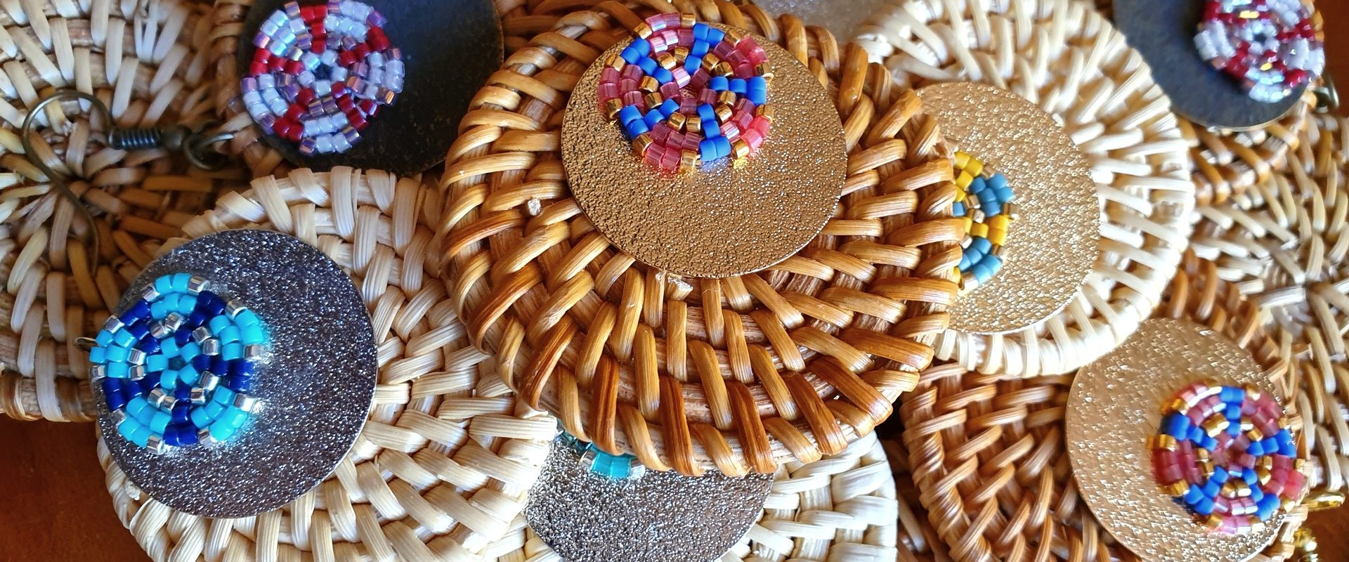 Gebetnout bijoux fantaisie lyon mode tendance bijouterie femme Oullins artisan rotin miyuki perle vietnam