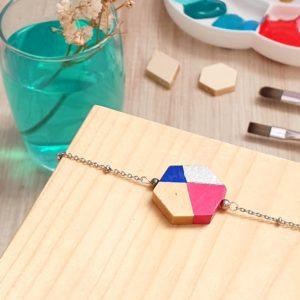 Gebetnout bijoux fantaisie lyon mode tendance bijouterie femme annecy artisan bois japonais géométrie hexagone bracelet rose bleu argenté