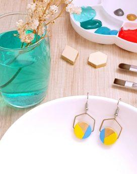 Gebetnout bijoux fantaisie lyon mode tendance bijouterie femme annecy artisan bois japonais géométrie rond hexagone jaune bleu