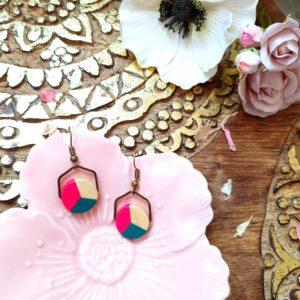 Gebetnout bijoux fantaisie lyon mode tendance bijouterie femme Annecy artisan Incahuasi géométrie bois hexagone rose vert