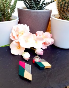 Gebetnout bijoux fantaisie lyon mode tendance bijouterie femme Annecy artisan Incahuasi puce bois losange rose vert