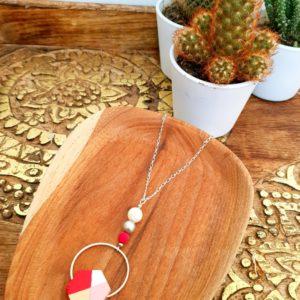 Gebetnout bijoux fantaisie lyon mode tendance bijouterie femme Annecy artisan Incahuasi sautoir collier bois hexagone rose