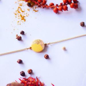 Gebetnout bijoux fantaisie lyon mode tendance bijouterie femme Annecy artisan Licancabur bracelet bois rond feuille or jaune dore