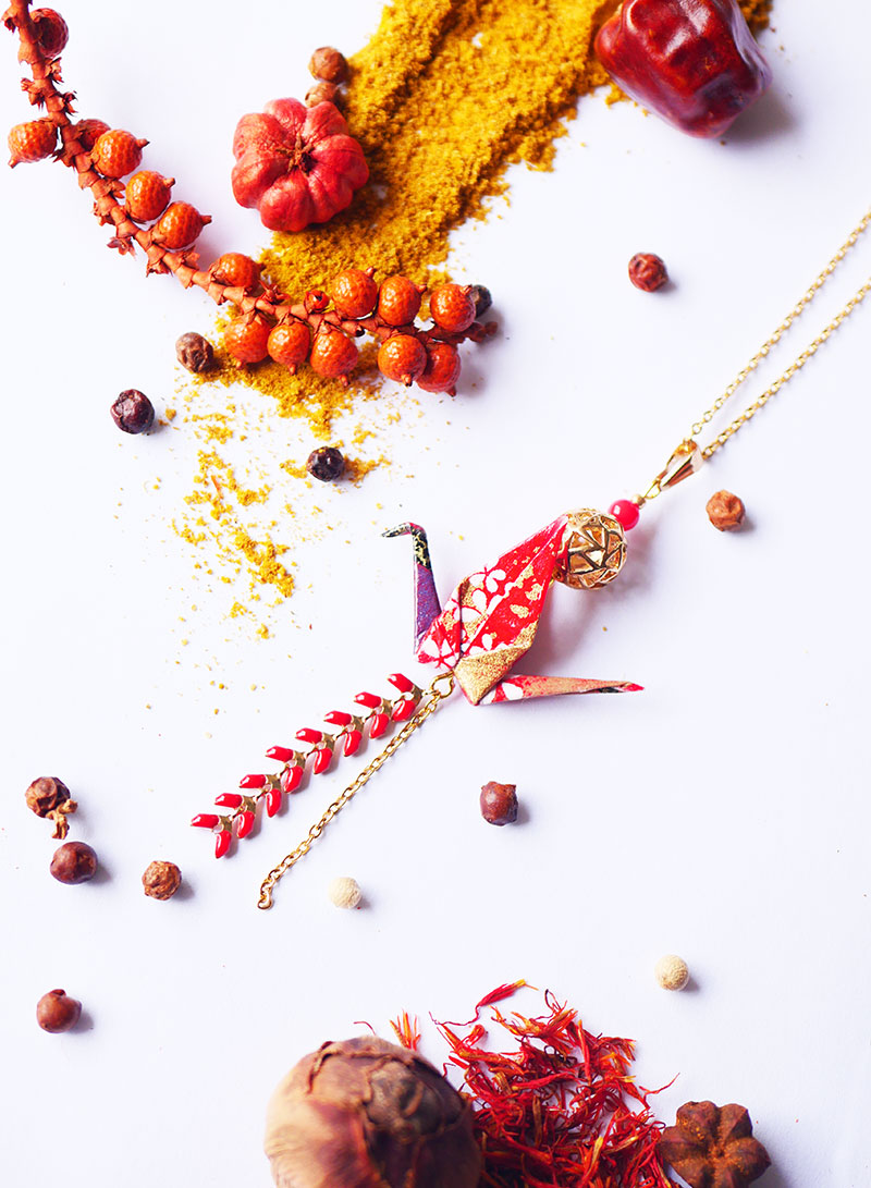 Gebetnout bijoux fantaisie lyon mode tendance bijouterie femme Annecy artisan Licancabur sautoir origami grue rouge rose violet