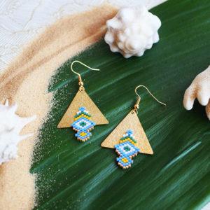 Gebetnout bijoux fantaisie lyon mode tendance bijouterie femme Annecy artisan Opunohu geometrie triangle bleu vert jaune tissage miyuki