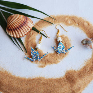Gebetnout bijoux fantaisie lyon mode tendance bijouterie femme Annecy artisan Opunohu origami grue labyrinthe bleu blanc magnesite