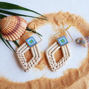 Gebetnout bijoux fantaisie lyon mode tendance bijouterie femme Annecy artisan Opunohu rotin losange bleu dore turquoise osier miyuki