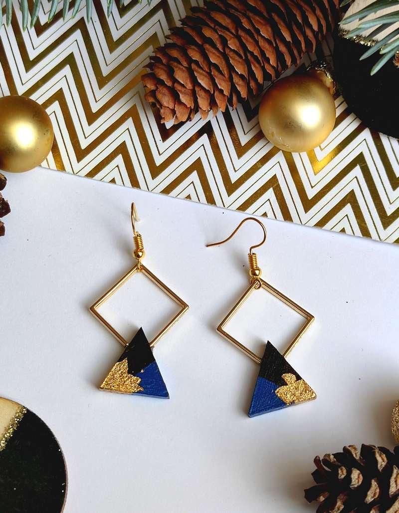 Gebetnout bijoux fantaisie lyon mode tendance bijouterie femme Annecy artisan bois ebene losange triangle bleu klein feuille or