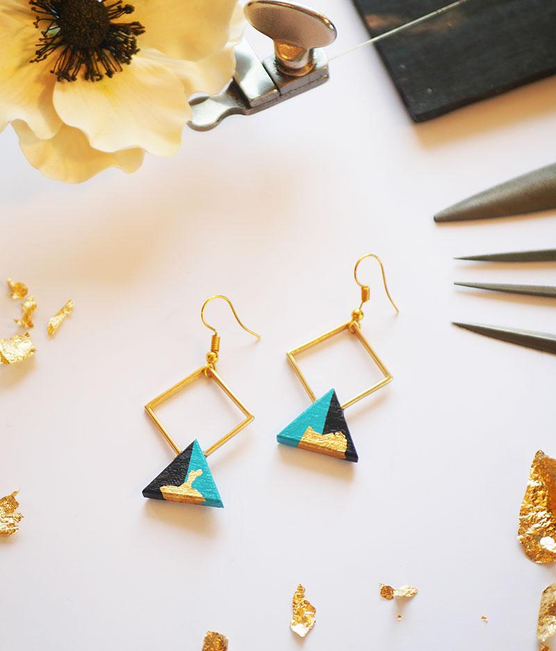 Gebetnout bijoux fantaisie lyon mode tendance bijouterie femme Annecy artisan bois ebene losange triangle bleu ciel feuille or