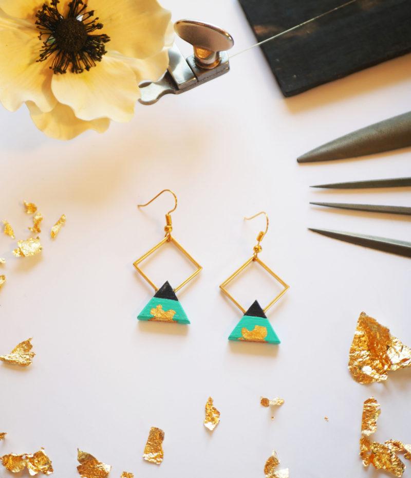 Gebetnout bijoux fantaisie lyon mode tendance bijouterie femme Annecy artisan bois ebene losange triangle bleu turquoise feuille or