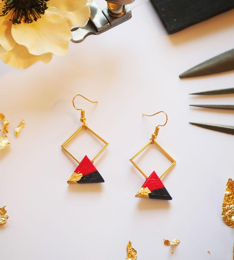 Gebetnout bijoux fantaisie lyon mode tendance bijouterie femme Annecy artisan bois ebene losange triangle rouge feuille or