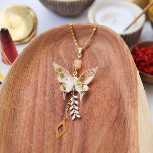 Gebetnout bijoux fantaisie lyon mode tendance bijouterie femme Annecy artisan watthanaram ayutthaya origami papillon email agate losange dore collier