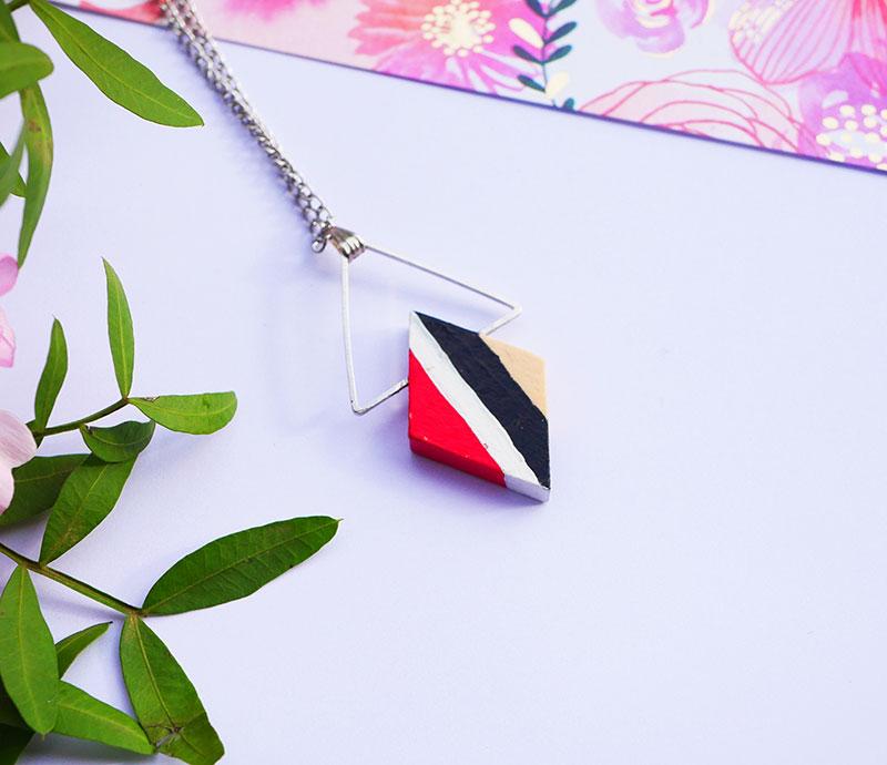 Gebetnout bijoux fantaisie lyon mode tendance bijouterie femme Annecy artisan bois japonais geometrie losange argent rouge noir