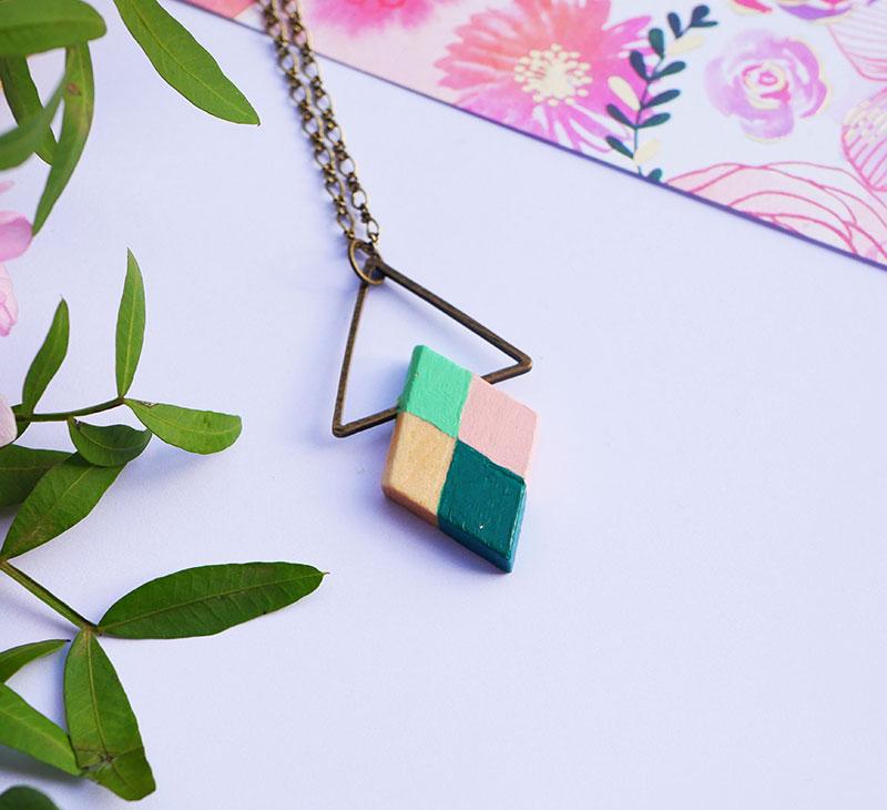 Gebetnout bijoux fantaisie lyon mode tendance bijouterie femme Annecy artisan bois japonais geometrie losange vert amande rose bronze