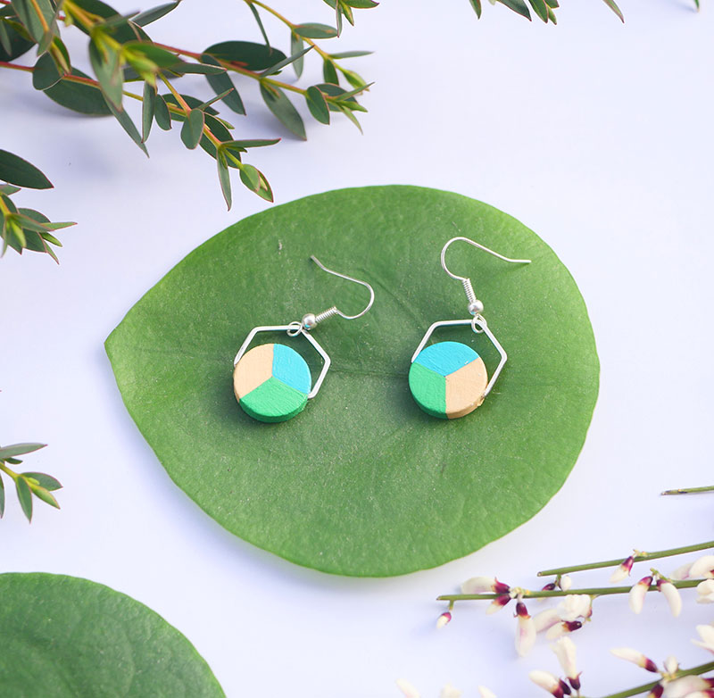 Gebetnout bijoux fantaisie lyon mode tendance bijouterie femme annecy artisan bois japonais géométrie rond hexagone bleu vert