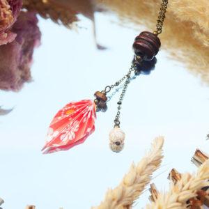 Gebetnout bijoux fantaisie lyon mode tendance bijouterie femme Annecy artisan origami sautoir collier feuille fleuri orange howlite bois