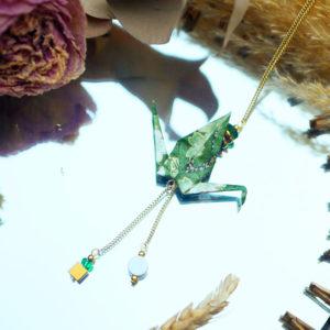 Gebetnout bijoux fantaisie lyon mode tendance bijouterie femme Annecy artisan Licancabur sautoir origami grue vert kaki dore or