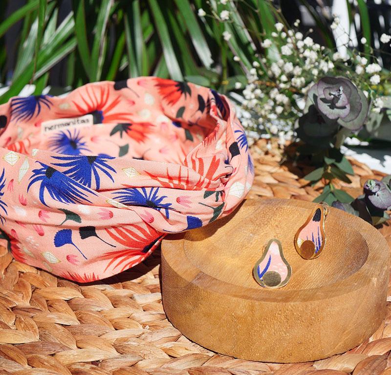 Gebetnout bijoux fantaisie lyon mode tendance bijouterie femme Annecy artisan laiton tissu upcycling hermanitas fleuri rose bleu saumon dore bandeau cheveux