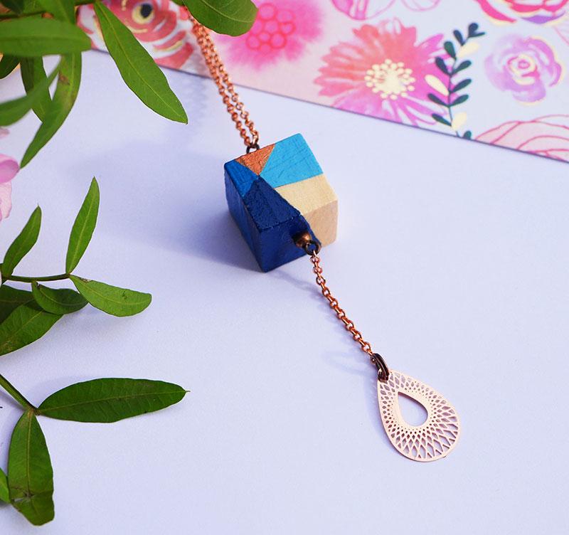 Gebetnout bijoux fantaisie lyon mode tendance bijouterie femme Annecy artisan bois geometrie sautoir collier cube bleu cuivre