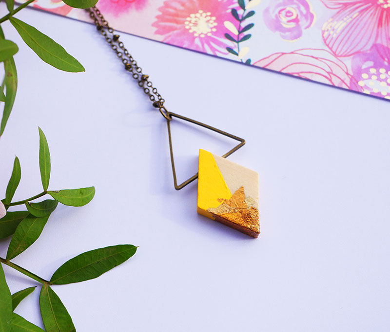 Gebetnout bijoux fantaisie lyon mode tendance bijouterie femme Annecy artisan bois japonais geometrie losange jaune feuille or bronze