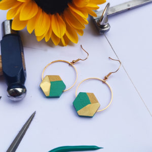 Gebetnout bijoux fantaisie lyon mode tendance bijouterie femme Annecy artisan bois buis geometrie hexagone laiton vert lagon dore or