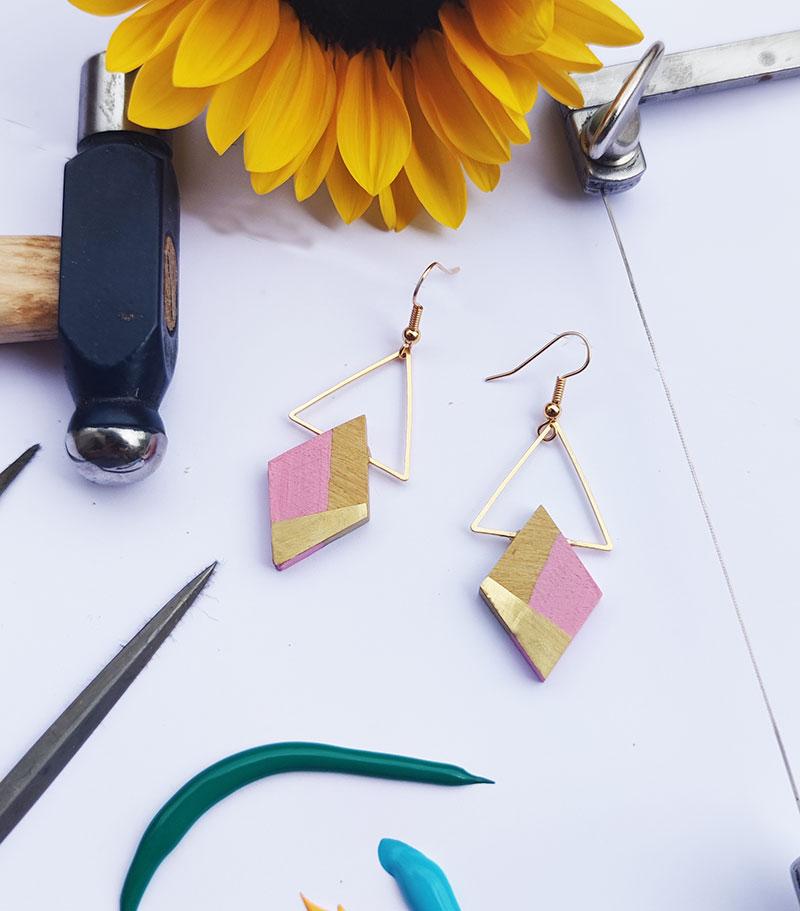 Gebetnout bijoux fantaisie lyon mode tendance bijouterie femme Annecy artisan bois buis geometrie losange triangle laiton rose barbapapa dore or