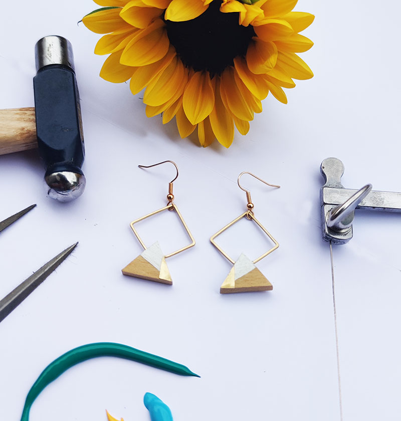 Gebetnout bijoux fantaisie lyon mode tendance bijouterie femme Annecy artisan bois buis geometrie triangle losange laiton blanc dore or