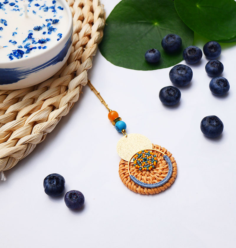 Gebetnout bijoux fantaisie lyon mode tendance bijouterie femme annecy seyssel artisan collier sautoir miyuki rotin jaune bleu dore