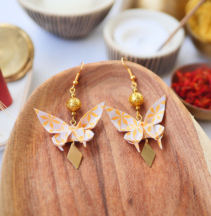 Gebetnout bijoux fantaisie lyon mode tendance bijouterie femme Annecy artisan watthanaram ayutthaya origami papillon jaune blanc dore