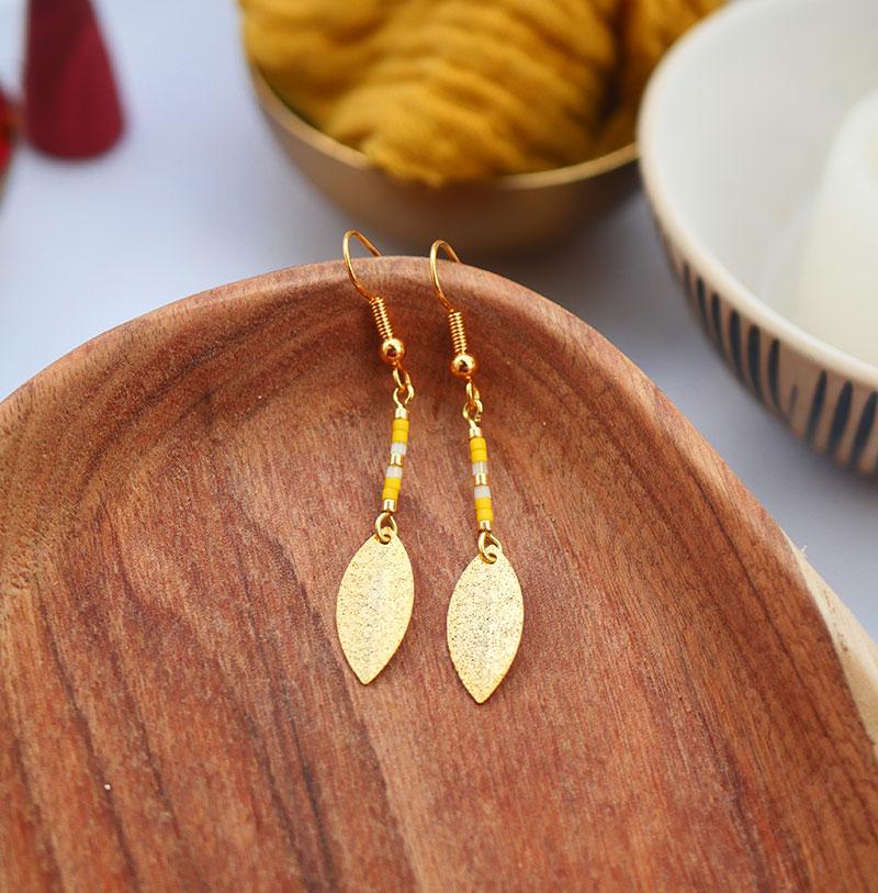 Gebetnout bijoux fantaisie lyon mode tendance bijouterie femme Annecy artisan watthanaram ayutthaya miyuki geometrie petale jaune dore
